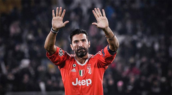 Gianluigi Buffon transfer için Paris'te!